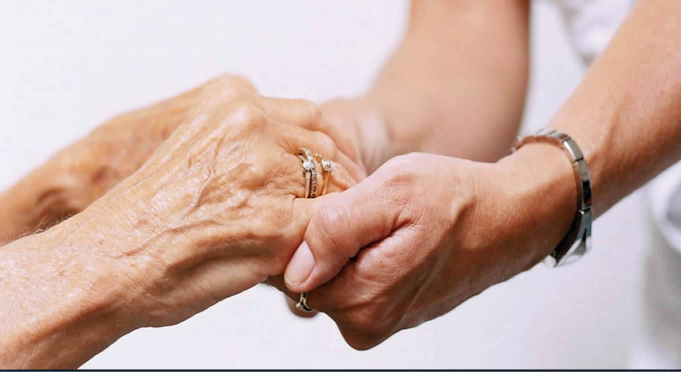 Anziani mai più soli, scegli la nostra assistenza sanitaria a domicilio